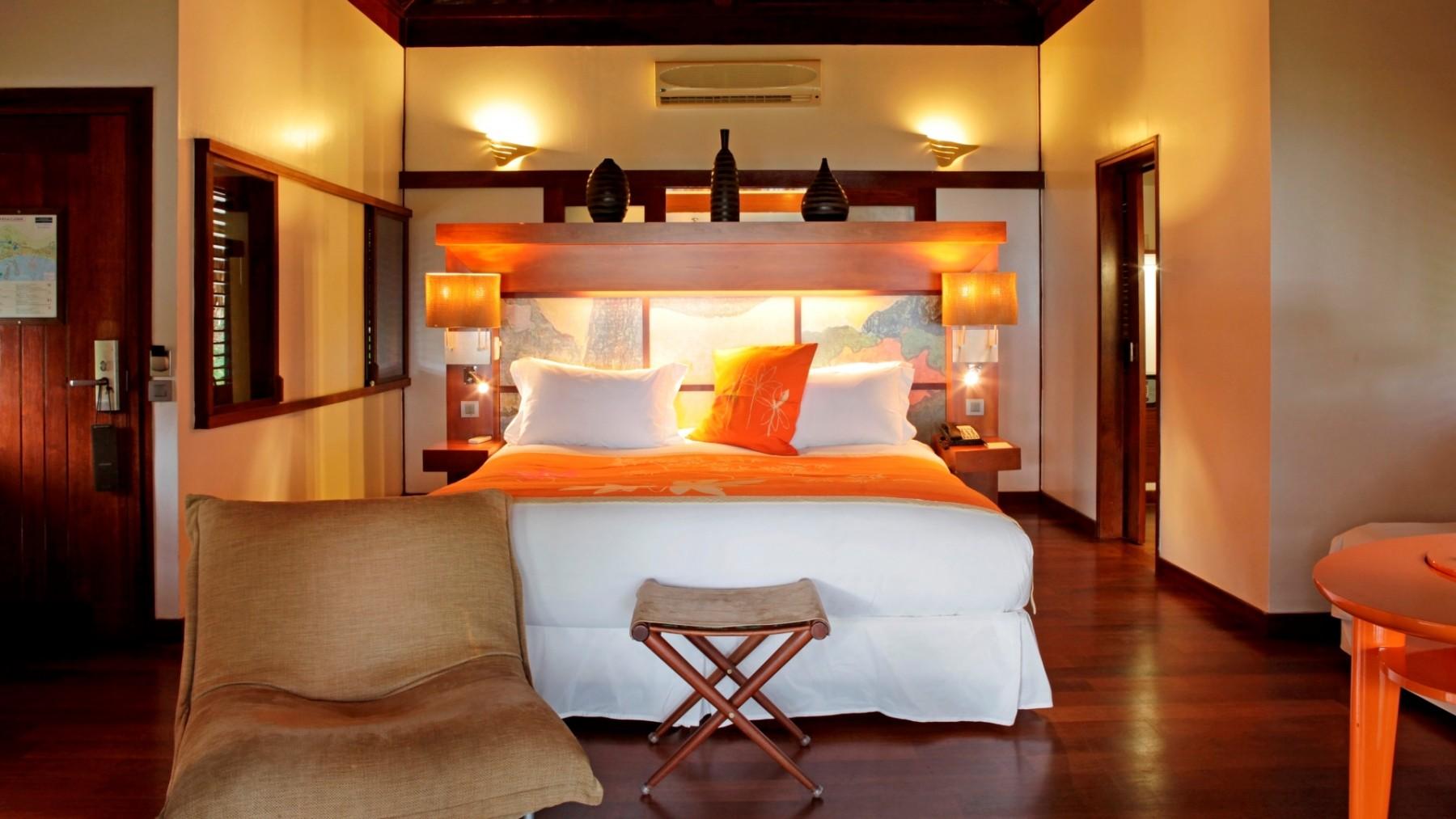 luxury-beach-front-bungalow