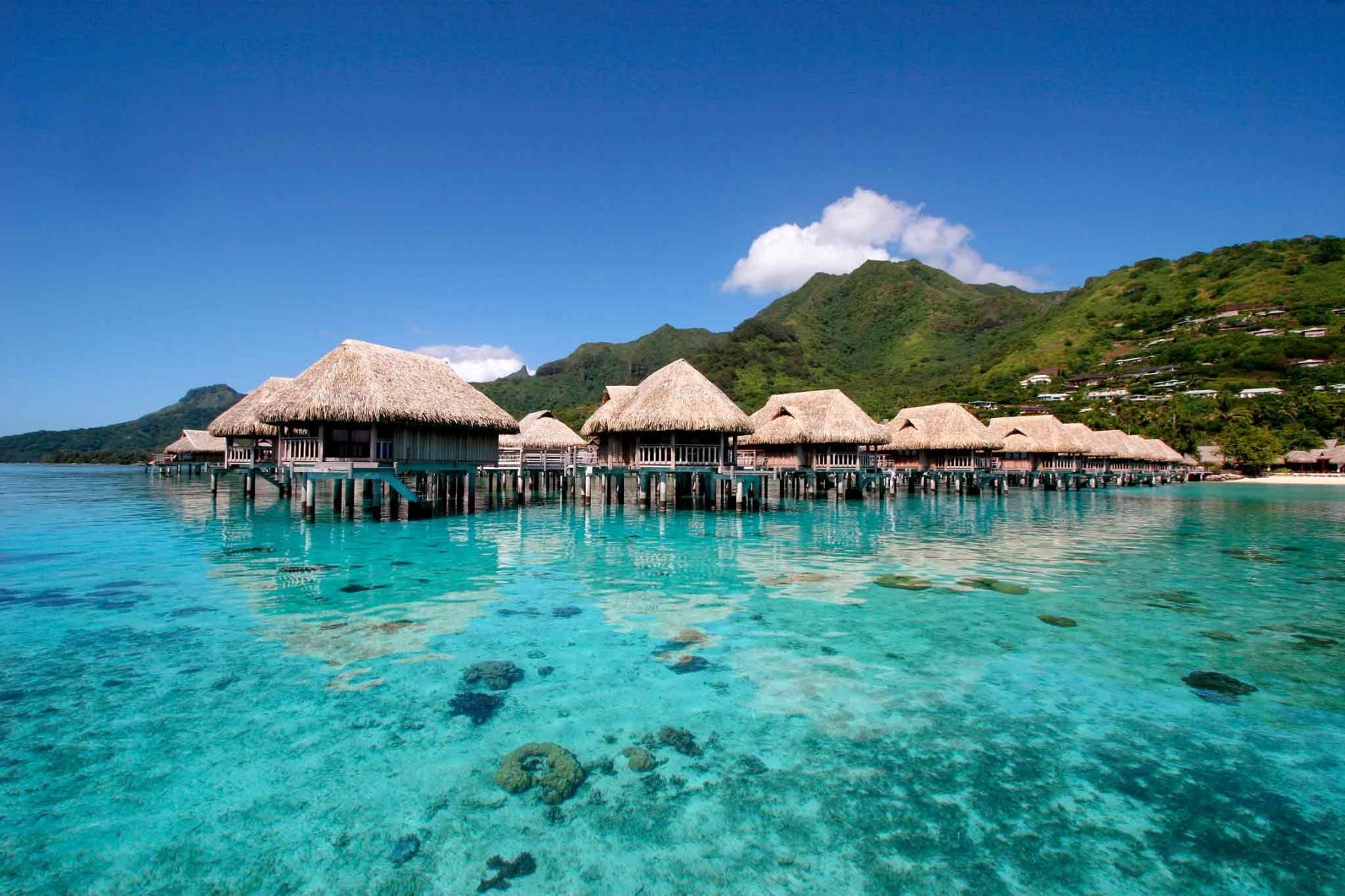 superior-overwater-bungalow